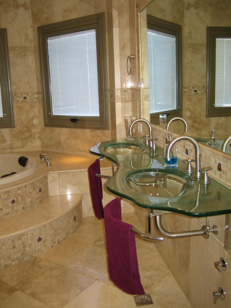 MORASCHI - baños & cocinas